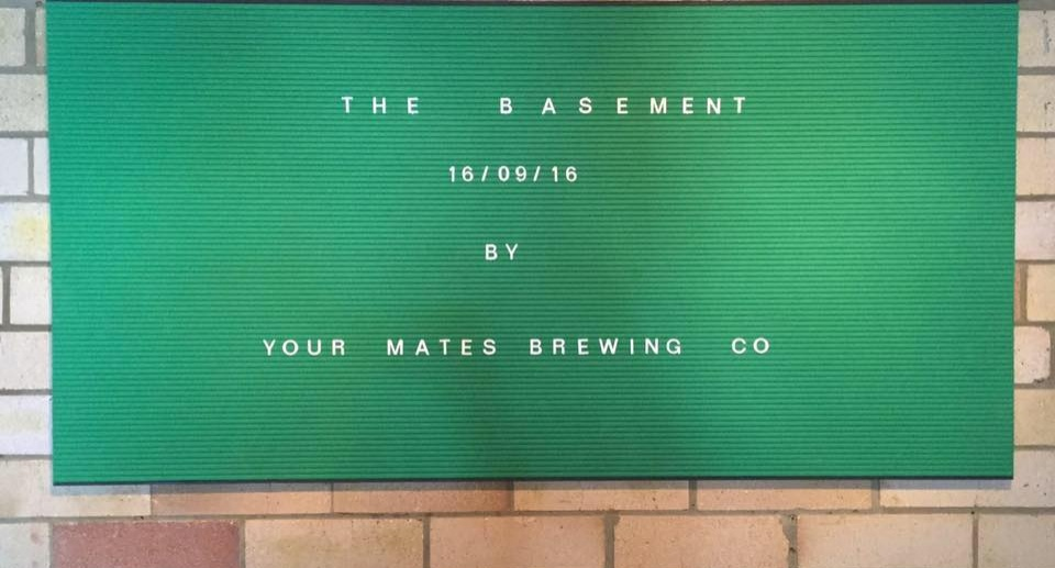 1 @ 1200w x 600h GREEN Felt Groove Letter Board Unframed (Colour: 167) & 19mm WHITE Letter/ Number Sets